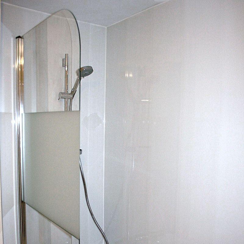 labo ultra white3 - Cladding A Small Bathroom