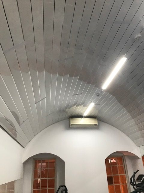 how-to-fit-ceiling-panels2