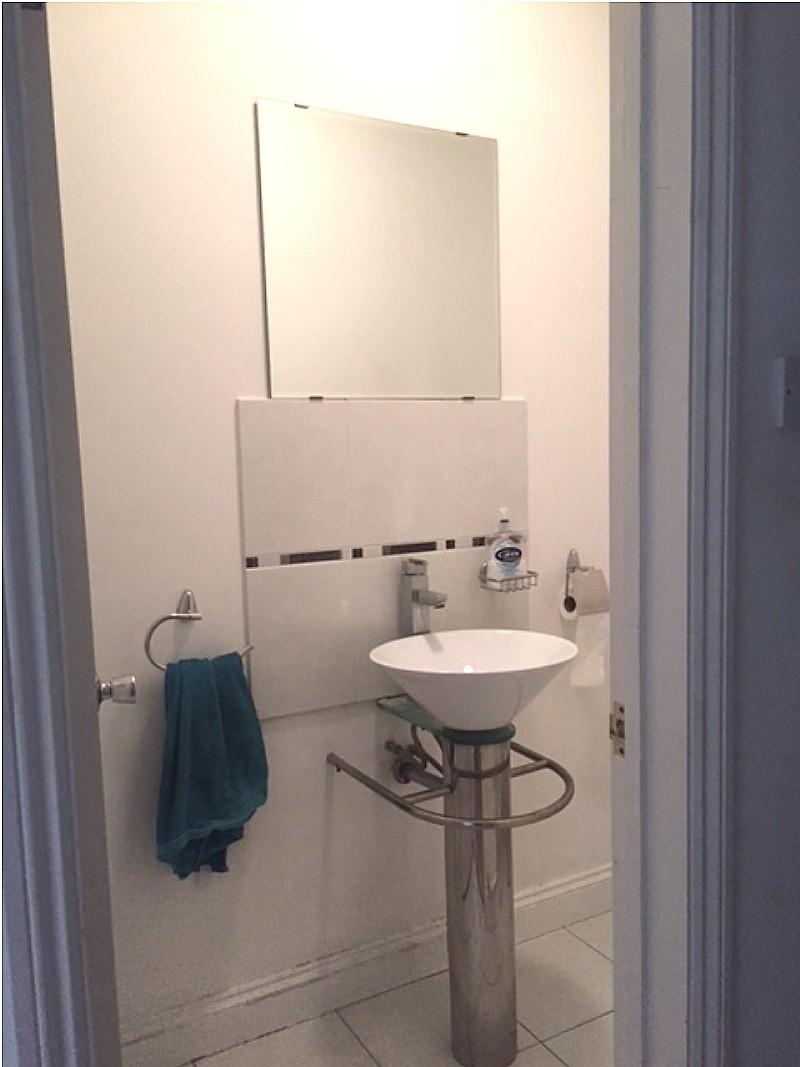 Vicenza white sparkle bathroom cladding