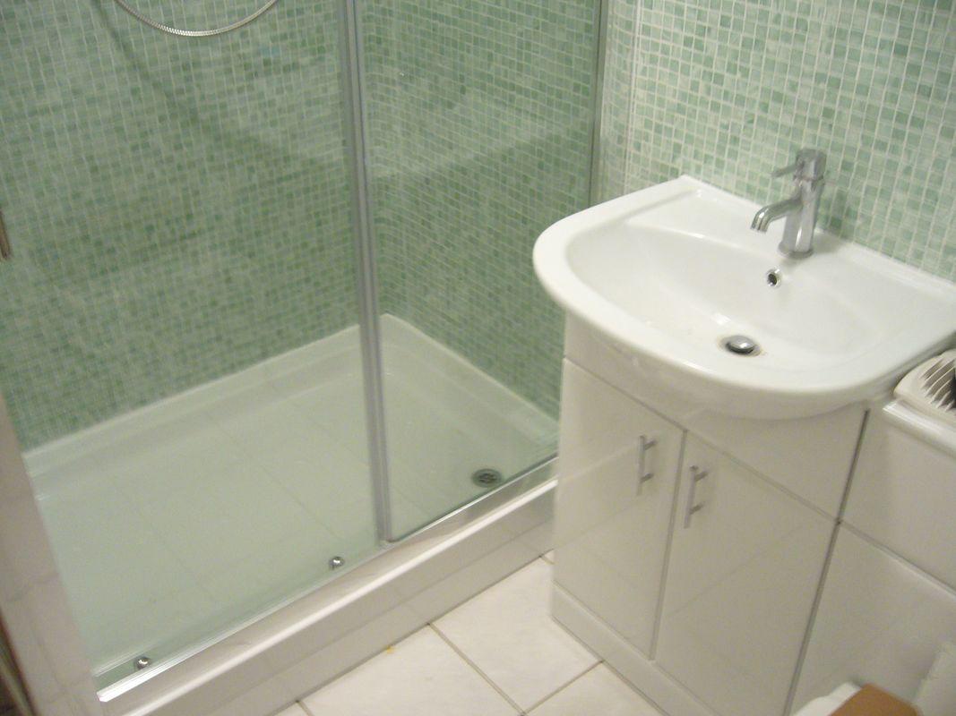 Amos bathroom after installation