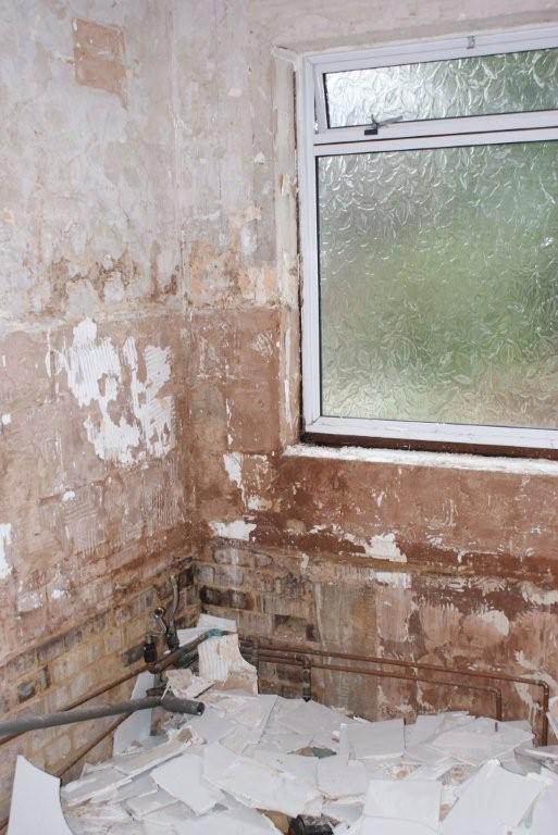 batemanB - Before And After - Preparing Bathroom Walls